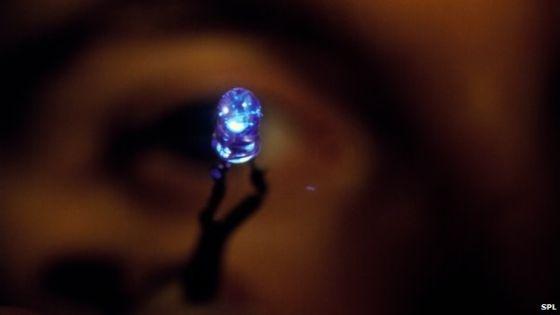 诺贝尔物理学奖背后的艰辛:蓝光LED照亮世界