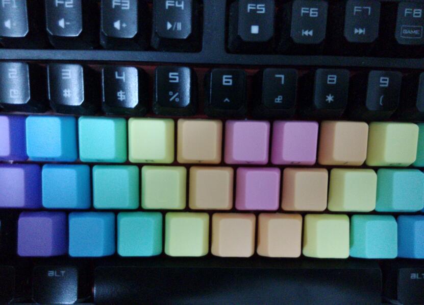 给键盘换了个PBT键帽